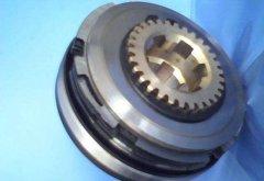 浅析汽车空调电磁离合器的工作原理